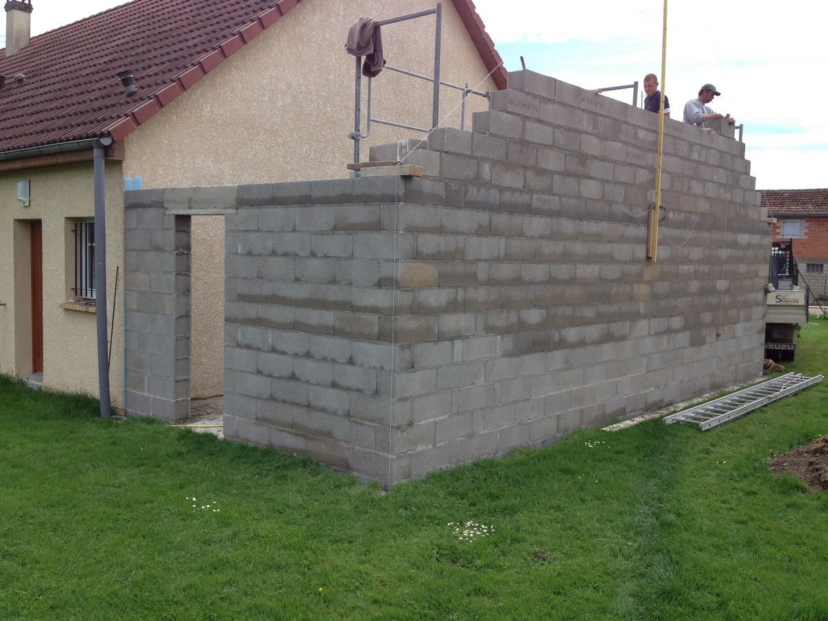 Travaux d 39 extension d 39 un garage simode brisson for Cout d un garage en parpaing