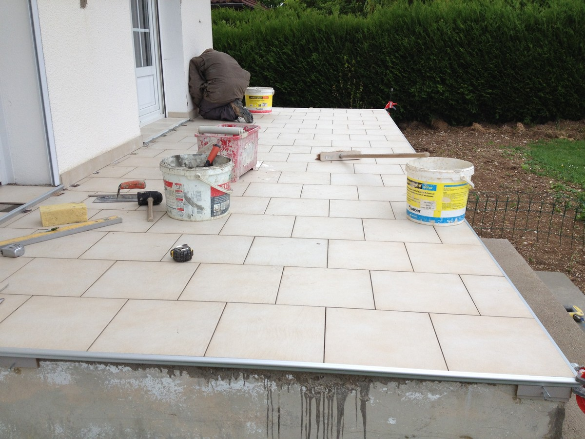 Cration Duune Tanchit En Mapelastic Avant Finition Carrelage With Etancheite  Terrasse Carrelage Conception